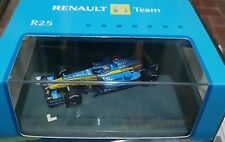 Model F1 1:43 Minichamps Renault F1 team R25 Alonso in box