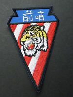 VANGUARDS 76TH FIGHTER SQUADRON US AIR FORCE TIGER USAF EMBROIDERED PATCH 3.5 IN