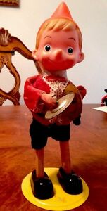 Walt Disney Pinocchio Doll Wind-Up Tin Toy playing cymbal 1940s Vintage WORKS!!