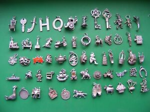 R) VINTAGE STERLING SILVER CHARMS CHARM WELL SEAL MASKS CHURCH SWORD KEY 21 RING
