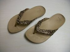 KIDS CROCS THONG SANDALS SIZE 4 W TIGER LEOPARD PRINT TAN BROWN