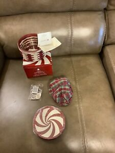 "LONGABERGER 2009 TREE TRIMMING ""PEPPERMINT TWIST"" BASKET - RED"
