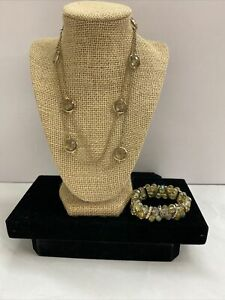 Peridot Glass Faceted Elastic Bracelet With Rhinestones And Necklace Gold Tone