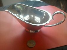 Superb vintage MAPPIN & WEBB silver plate sauce boat