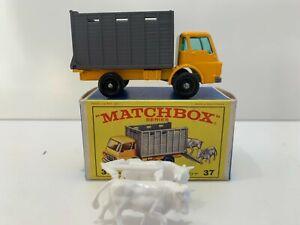 Matchbox Lesney 37 - Dodge Cattle Truck - Near Mint In Near Mint Type E Box