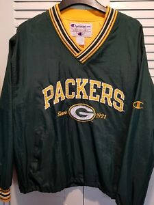 Green Bay Packers Green Champion brand Pullover Windbreaker. Size L