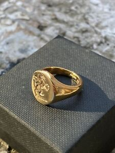 9ct Gold Intaglio Crest Seal Ring