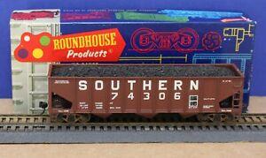 Roundhouse 1537 HO Southern 40' 3 bay Hopper Built KDs Coal Load Weathered Nice!