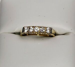 AMAZING 10K YELLOW GOLD 3/4ct WHITE TOPAZ Anniversary RING Sz 5.5/ Anillo de Oro