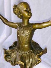 Figurines/ Statues