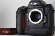 """MINT!!"" Nikon F5 35mm SLR Film Camera Body From Japan #1821"