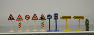 Konvolut SIKU Plastik V-Serie 9 Stück Verkehrszeichen