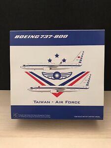 "JC Wings 1:200 Taiwan Air Force B737-800 3701 ""Flag on tail"" scheme LH2243"
