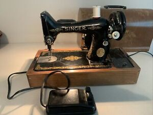 SINGER Electric Sewing Machine Working Order with KNEE CONTROL Bentwood Case
