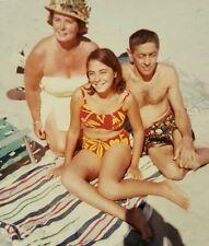 Vintage Mid Century Mod Sonne Sand Strand Bikini Babes Modischer Couture Kodak