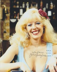 Julie Goodyear Hand Signed 8x10 Photo, Autograph, Coronation Street Bet Lynch B