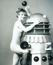 Katy Manning UNSIGNED photo - K8703 - NAKED!!!! - Doctor Who