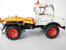 BRITAINS LTD  .MERCEDES UNIMOG 1975. WITH DRIVER AND SEATS. DUNLOP TYRES.