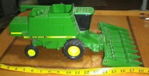 Ertl JOHN DEERE 9600 COMBINE COLLECTORS EDITION 1/16 SCALE 1989 farm toy tractor