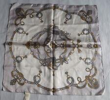 Carré de soie 100 % - fait main – harnais, brides et frontons –