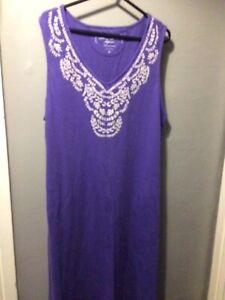 ladies nightdress Size L By Carole Hochman