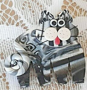 Handmade Whimsical Polymer Clay Cat Brooch (15)