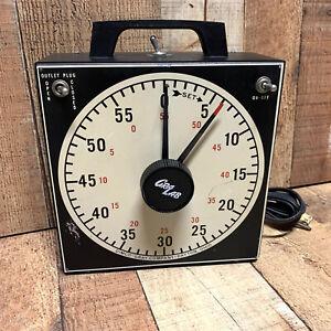 Vintage GraLab Model 171 Universal Darkroom Timer with 2-Outlets