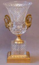 Vase Médicis Style Charles X, Cristal Taillé Diamant Et Bronze Aux Cygnes.