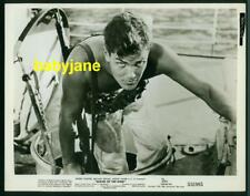 JEFFREY HUNTER VINTAGE 8X10 PHOTO 1953 BARECHESTED SAILOR OF THE KING