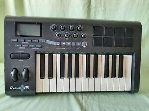 M-Audio Axiom 25 Midi Controller  MIDI Keyboard