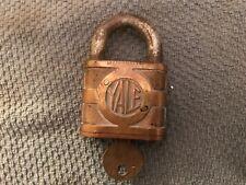 Vintage Heavy Yale & Towne Padlock Y&T Shamrock Old Brass Lock & Yale Key