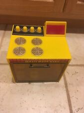 WARM BAKE OVEN BY KENNER  1973 GENERAL MILLS