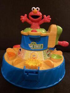 Hasbro Playdoh Sesame Street Elmo Color Mixer Set Works Sounds Talking