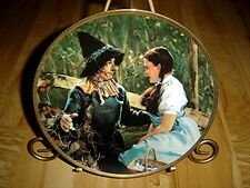The Wizard Of Oz Commemorative Dorothy Meets the Scarecrow Movie Plate