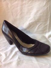 Clarks Black Leather Heels Shoes Size 6D