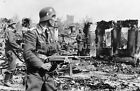 WW2 Photo Oct 1942 German Air Force troops with MP40 securing Stalingrad 1458