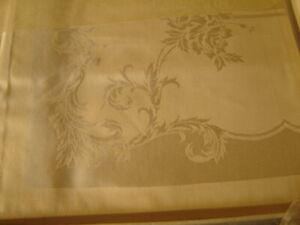 Vintage Estate Find Table Damask Set Tablecloth 4 Napkins By Beauty Kraft