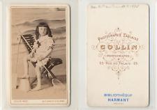 Collin, Sables d'Olonne, Petite fille en tenue de plage CDV vintage albumen
