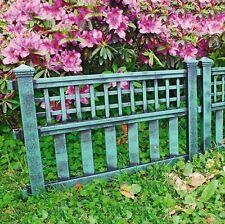 Pack of 4 Green Plastic Fence Panels Garden Lawn Edging Plant Border Landscape