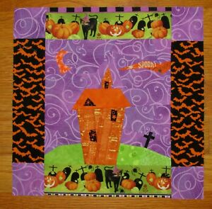 Mini QUILT Top: Not So HAUNTED House - HALLOWEEN