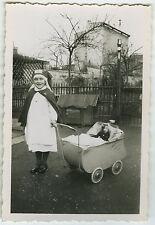 PHOTO ANCIENNE - ENFANT JOUET INFIRMIÈRE - CHILD TOY NURSE - Vintage Snapshot