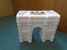 CITY OF LONDON - INSCRIBED MODEL MARBLE ARCH HYDE PARK - ARCADIAN CRESTED CHINA