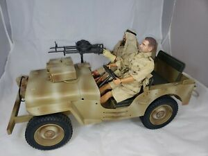 """Soldiers Of The World US Military Vehicle Jeep 1/6 scale with 2 figures 12"""""""