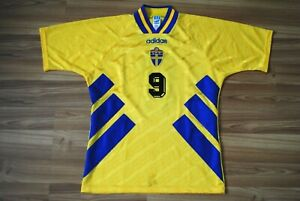 #9 TOMAS BROLIN SWEDEN HOME FOOTBALL SHIRT 1994-1995-1996 JERSEY SIZE MEDIUM VTG