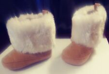 Beautiful new Infant boots/gold dots on foot/heel, White Faux Fur Size(6 -9 mths