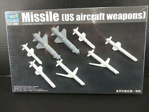 Trumpeter 1/32 US Aircraft Weapons AGM Cruise Missiles Model Kit 3306