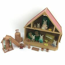 Vintage Sylvanian Families en bois cabane Bundle Rabbit Family Dolls House Playset