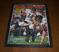 1976 BEARS WALTER PAYTON SPORTS ILLUSTRATED COVER FRAMED PRINT