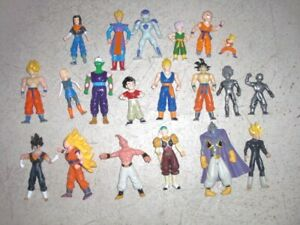 DRAGON BALL Z huge lot of 20 Action Figures