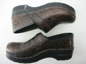 DANSKO WOMEN'S   EU 39 US 9  CLOGS SHOES  BROWN TOOLED LEATHER SLIP ON LOAFERS